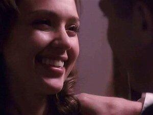 Jessica Alba ในปืนภายในฉัน เป็นร่วมเพศอย่างหนัก