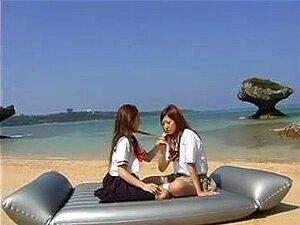 ซากุระและมาเรียสายบนบนชายหาด