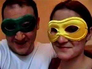สามีภรรยาการต่อสู้ในรูตูดของเธอแน่น ฉันรักภรรยาที่รักของฉัน เพราะเรามักมีความสุขร่วมกัน วันนี้เราทำเป็นมาสเคอเรดเช่น และจากนั้น ผมได้เย็ดเธอในรูตูดของเธออร่อย