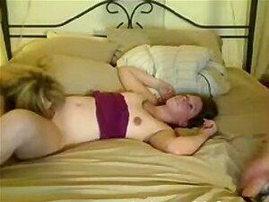 3 Webcam Lesbians 2