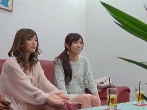 ไป!! ท่องเที่ยวบันเทิง นักแสดงน่ารักสองกลายเป็น roomies และไปเพศเที่ยวน้ำพุร้อนออนเซ็น มีคาริ และ Miu Fujisawa หนึ่งให้บริการทั้งสองคนเช่นเดียวกับฉากแต่ละเพศที่โรงแรมรีสอร์ท