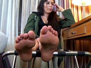 เครื่องรางเท้าที่ Clips4sale.com