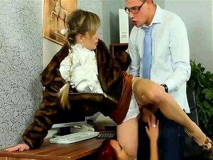 เสน่ห์ยูโรผู้หญิงเพศสัมพันธ์ผู้ชายที่สำนักงาน