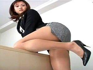 ญี่ปุ่นร้อน ๆ ฏิบตัสิภาพใต้กระโปรงของเธอ knickers น่ากลัว babe ญี่ปุ่นในเครื่องแบบ office ช่วยให้ภาพของเธอ knickers และขายาวของเธอในบ้านในถ้ำนี้น่ากลัววิดีโอ upskirt และดูค่อนข้างปลุกใจ และน่าตื่นเต้นมาก