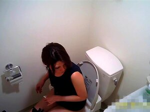 Zipang 6792 VIP Exclusive public! The intense Taking work people! Takeaway toilet voyeur! File.02 Reiko,