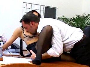เพศสำนักงานกับเลขานุการหัวในชั้นในเซ็กซี่