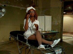แรกสาวสวยสาวตูดใหญ่ของเธอกลม พยาบาลสวยดำ โดยผู้ป่วยทางจิต 5 เลอะเทอะ blowjobs, big ass รอบใหญ่