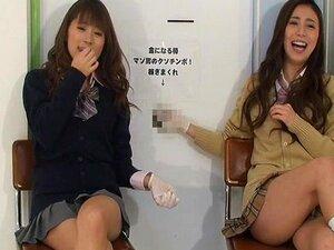 สาวญี่ปุ่นให้กระตุกและกลางให้ทาสเงินสด