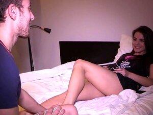 หีสาวเช่า ผู้ชายคนนี้มีแฟนสวย และ depraved อย่างเต็ม และเพื่อนบ้านของเขาเก่ามีเงินเช่าหีเธอบางร้อนประจำวันเป็นร่วมเพศ ให้มีเพศสัมพันธ์ที่จัดการ และทุกคนได้รับประโยชน์จากมัน เจี๊ยบได้รับเพศสัมพันธ์มีประสบการณ์มากกว่าคนที่รักหีหนุ่ม และแฟนของเธอได้รับบางเงิ