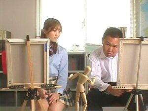 เพศในโรงเรียน ในฉากแรกของ Yui Otoha วิดีโอนี้อยู่ในการเรียนศิลปะ และเพื่อนร่วมชั้นของเธอมีปัญหาวาดร่างกายเป็นหญิง เขากรุณาถาม Yui ให้ถอดเสื้อผ้าของเธอเพื่อให้เขาสามารถรูปแบบของเขา จากศิลปะการ smut ทั้งสองเอยกลิ้งรอบบ้าเซ็กซ์บนชั้นเรียน ในอีกฉากในห้องปฏิบั