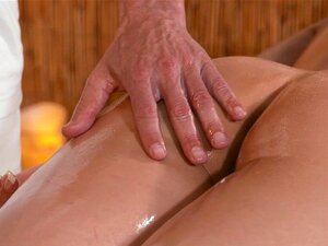 Masseur fuck beautiful babe. Mucled European masseur rubs oil and massages sexy short haire brunette babe then fucks her tight pussy missionary in massage room