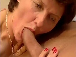 HOT GRANNIES SUCKING DICKS COMPILATION 2. New compilation of cock loving grannies ! With 3 minutes extra than nbr 1! Enjoy like if that was your dick sucked ! Feel free to post vids of you jerking on this !