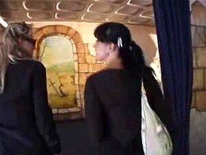 Federica Tommasi และลูน่าในภาพยนตร์ผมแดง