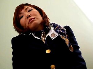Sayuri Kotose ในดูแลเที่ยวบินเขาแบ่งห้องน้ำ - MilfsInJapan