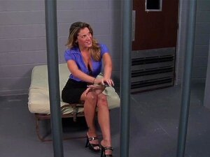 Paige ช่องดูด และ Fucks ตำรวจออกจากคุก