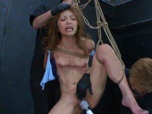ถึงจุดสุดยอดของหญิงสาวชาวตะวันออกกับของเล่นเป็นเธอได้ผูก และถูกระงับ ด้วยเชือก