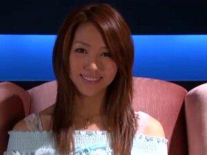 พิเศษจูบริมฝีปาก สตูดิโอ S1 นำเสนอวิดีโอเครื่องราง mouthliptongue มีโฆษณา Shiori ตันของ DFK (จูบลึกฝรั่งเศส) ด้านบนของฉากทางเพศปกติที่พบในวิดีโอผู้ใหญ่