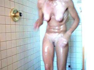 40 คุณ แม่ภรรยาอาบน้ำ