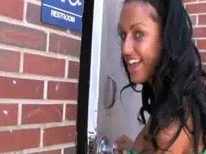 ดำ - ขาวผู้หญิงบุคคลที่สารภาพบาปของเธอที่บ้าน 17