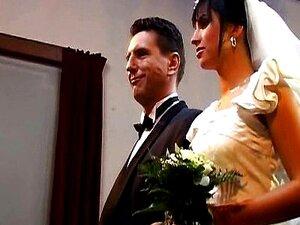 งานแต่งงานของเรนาดำ - โหดร้าย