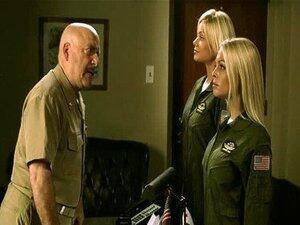 ปืนยอดนิยมนำแสดงโดยเจสซีเจน กระโปรงสั้น กา Alexis, Riley Steele กุหลาบ Selena, Stoya 01