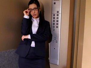 iori kogawa in elevator