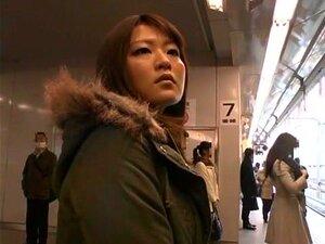 ดอกทองญี่ปุ่นดังสุด ๆ สาว ๆ งา จึง Ruri, Hirayama คาในหนัง JAV สาธารณะที่แปลกใหม่