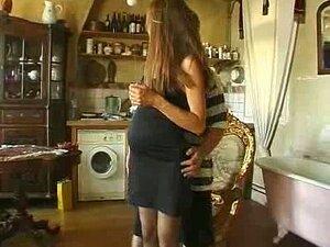 ฝรั่งเศสแก่ ๆ ตั้งครรภ์