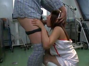 สาววัยรุ่นญี่ปุ่นน่ารังเกียจ Riona Kamijyou คนของเธอ Riona Kamijyou เป็นวัยดี นอกจากนั้นยังมีพยาบาลป่าเมื่อเธออยู่ที่ทำงาน และเธอสนุกกับการให้บริการผู้ป่วยของเธอร่วมเพศพวกเขา เธอได้รับถุงน่องของเธอฉีกเพื่อเปลื้องสามารถใช้ของเล่นทางเพศในหีของเธอได้รับเธอดี