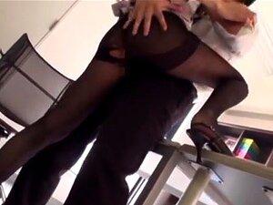 สาว office ซนผู้สำนักงาน นี้เอเชียวัยรุ่นเซ็กซี่ในถุงน่องและชุดสำนักงานของเธอ เธอชอบความสนุกสนานในห้องพักกับพนักงานอื่น ๆ เขา เธอเป็นสมัครเล่นในรองเท้าส้นสูง แต่รองเท้าและไม่ยอมใครง่าย ๆ การกระทำ dildos และของเล่นอื่น ๆ แทรกร้อนหีและเย็ดเธอก่อนการร่วมเพศห