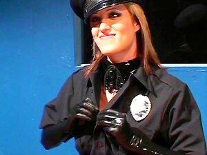 คิมเบอร์ลีเคน ตำรวจน้ำยาง -ภาพ 3 - ชายฝั่งชายฝั่ง