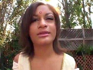 อินเดียกำลังฮอทตี้เมา ผมพูดมองอินเดียในกรณีที่ได้รับการโหลดของคนเศร้าพูดว่า เธอไม่อินเดีย
