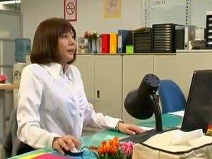วัยในคลิป Amazing เลขานุการ JAV ญี่ปุ่นรุ่น Yuma ผมน้ำตาลเข้ม