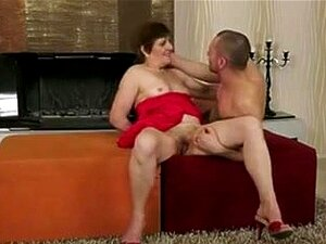 Granny got her old hairy pussy creampied,
