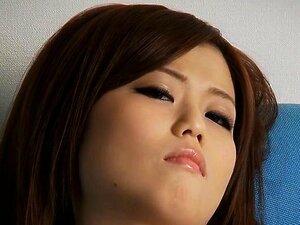 Handsome japanese in stockings gives moist blowbang
