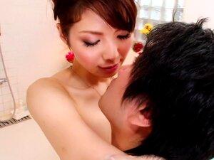 เมื่อ Yuna รู้คนเครียด เธอชอบให้เขาเช็กฟองน้ำอาบน้ำจะช่วยบรรเทาความตึงเครียดบำรุงแม่ให้เธอชาย A ฟองน้ำอาบน้ำ