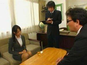 เต้านม Grabbing, Maki เคียวโกะ Saki Sudou มิยูกิชิตะดาวในวิดีโอนี้ค่อนข้างแปลกที่ผู้ชายจ่าย bucks ใหญ่เล่นออกฝันในทางที่ผิดในห้องที่ออกแบบมาเช่นรถไฟ โลภเต้าของหญิงที่แต่งตัวเหมือนผู้หญิงสำนักงานและแม่บ้านขี่รถไฟจำลอง