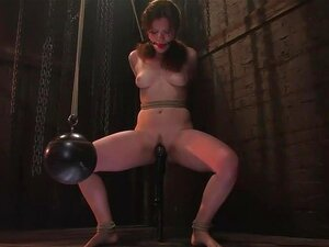 Kimberee Cline: เทรดปวดใจเพียงแค่การ Cum !, Kimberlee เป็นโปรแกรมเล่น BDSM ไลฟ์สไตล์ เสียงสวดน้อยมาก groaning จากเธอ ยิ่งยิ้มบลิเป็นเธอถึงจุดสุดยอดจากความเจ็บปวด เธอใช้เวลาปวดแปลมันเพื่อความสุข เธอแม้ begs สำหรับเพิ่มเติม cums ยากสำหรับมัน ดูเธอไหม้ออกขาข