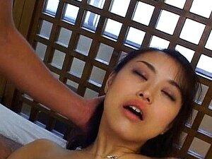 อาดาจิ Miku กระแทกกับมาก dildos