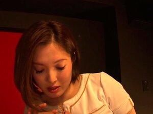 น่ารักเอเชีย MILF เป็น A ร้อนควยดูดวิดิโอออนไลน์