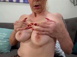Spex granny gets creampie