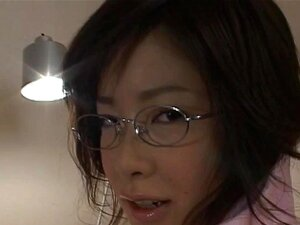 Kasumi Uehara with specs plays with her cunt