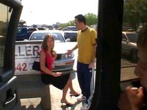 Paige แอบถ่ายเย็ดในรถตู้