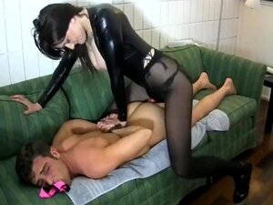18 Years Old Pegs a Servant and Adores It Ashley VENA