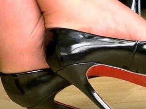 รองเท้าส้นสูงสีดำ 4