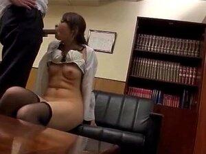 รุ่น AV ญี่ปุ่น milf เซ็กซี่ในชุดสำนักงานและถุงน่องสีดำตอก ทอมน่ารัก แบบญี่ปุ่น AV ในชุดโปรแกรมสำนักงาน เธออยู่ในสำนักงานและได้รับความสนใจมากมายจากเพื่อนร่วมงานของเธอ เธอเลียของเขา และการดำเนินการไม่ยอมใครง่าย ๆ ของการเย็ดหี slamming เธอสิ้นสุดขึ้นการไม่ย