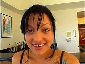 หนังดำกับฉากเซ็กส์คู่ ในหนังนี้โสเภณีสีน้ำตาลรับดำลึก และ begs สำหรับไม่ยอมใครง่าย ๆ