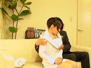 สัมภาษณ์กับปลายสิ่งที่ญี่ปุ่นค่าเซสชันการเย็ด การมาญี่ปุ่นสัมภาษณ์ แต่เธอมีความคิดว่า มีกล้อง spy ในสำนักงาน จะผ่านการทดสอบ เธอคือขอให้มีเพศสัมพันธ์กับเจ้านาย และในภาพยนตร์นี้โป๊ เธอบรรลุจุดสุดยอด