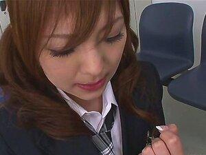 นักเรียน Miku Airi ระเบิดในปัญญาปาก