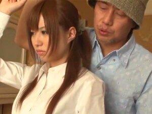 การหลงใหลห้องบริการ ทำงานเป็นแม่บ้านในโรงแรมญี่ปุ่น Kokomi โอว์จะบอกให้แน่ใจว่า ท่านจะ accomodated ดีทั้งหมด และเธอจะบอกปิด โดยผู้จัดการของเธอเพื่อให้แน่ใจเพื่อตอบสนองผู้ที่ คุณสามารถจินตนาการสิ่งที่เกิดขึ้นต่อไปกับนักแสดงหญิงนี้น่ารักจริง ๆ